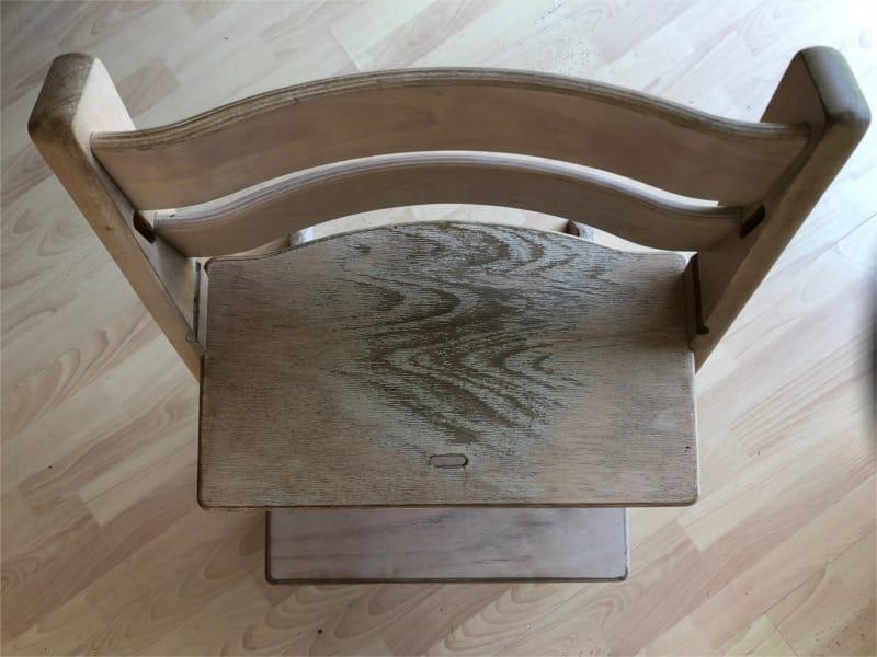 Peindre une chaise haute pour bébé