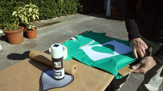 pintar camiseta con spray