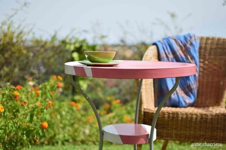 mesa de hierro con pintura en spray 4