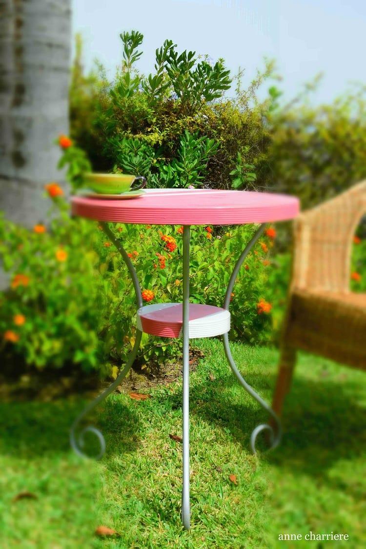 mesa de hierro con pintura en spray 6