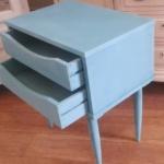 reciclar una mesita vintage con pintura en spray