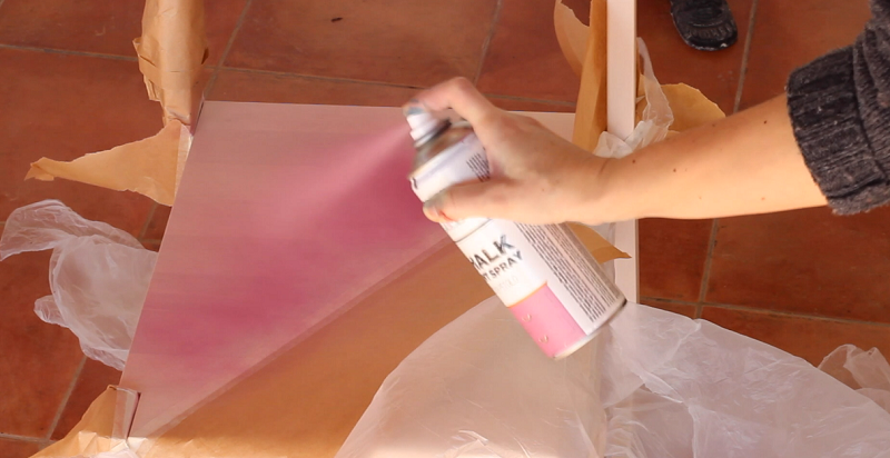 C mo pintar una silla de ikea con chalk paint en spray for Chalk paint muebles ikea