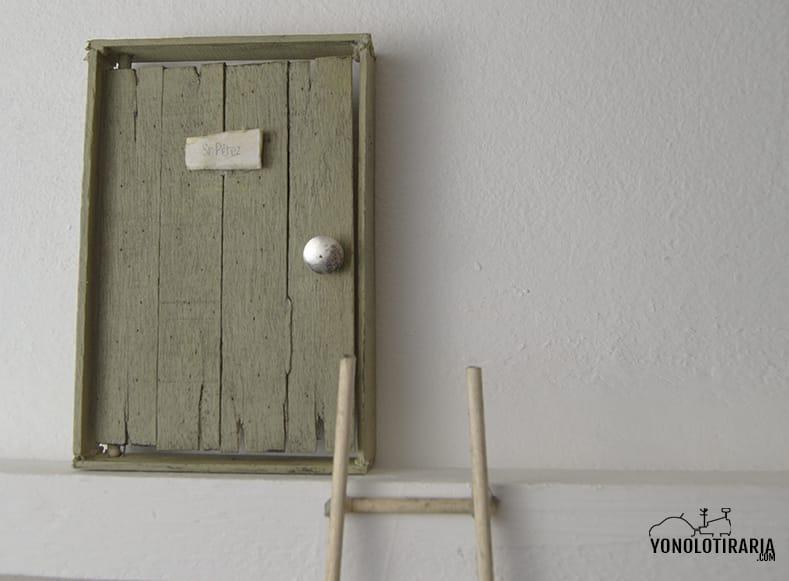 Puertas en miniatura al estilo vintage shakingcolors - Hacer puerta madera ...