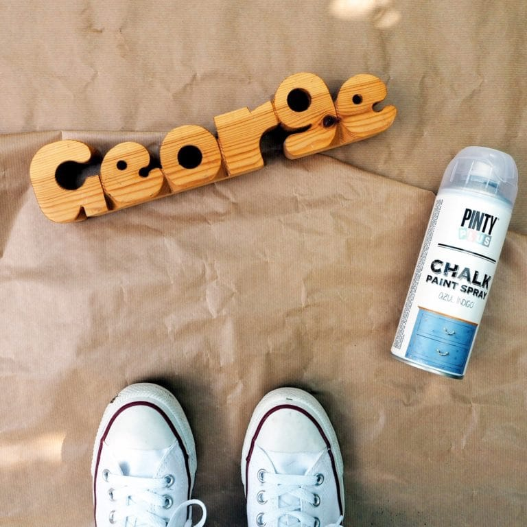 letras de madera con spray pintyplus chalk paint