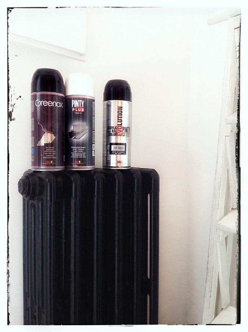 Pintar un radiador de hierro fundido con pintura en spray 3