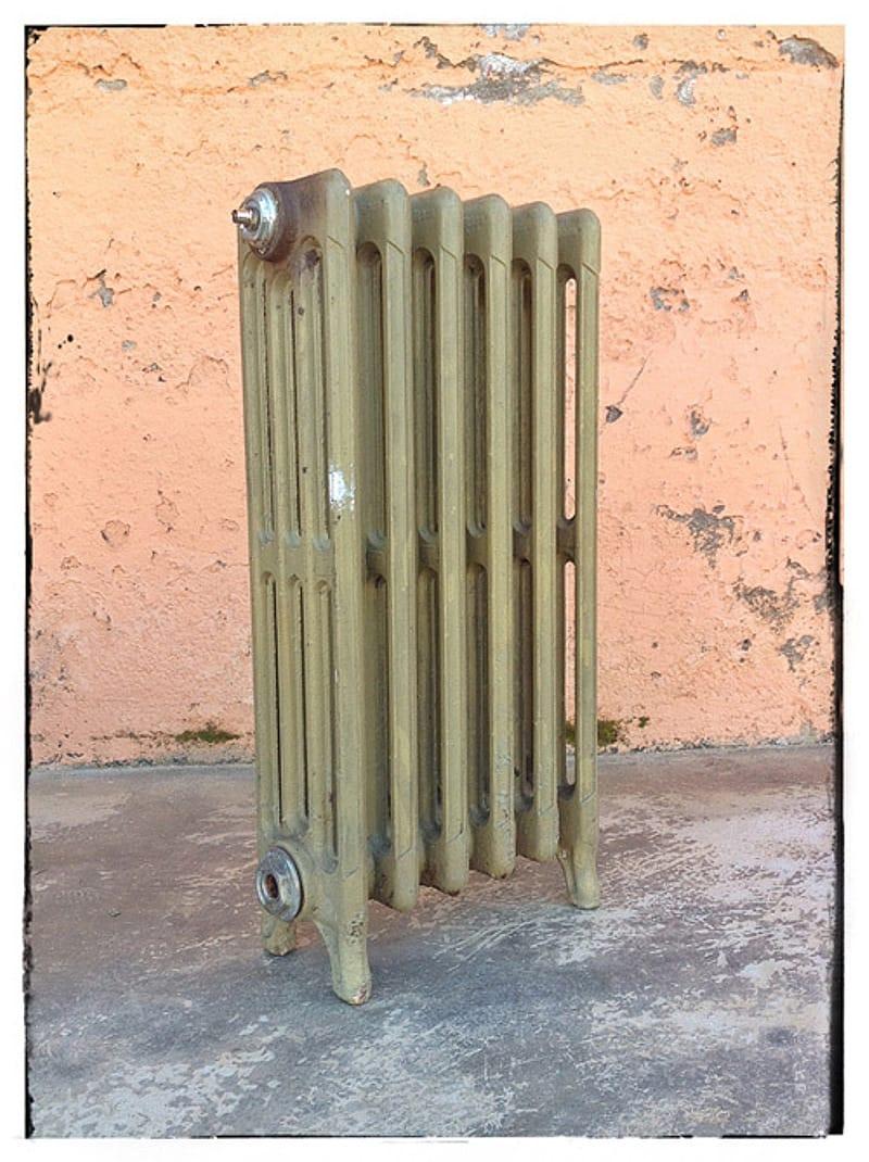 Pintar un radiador de hierro fundido con pintura en spray 6