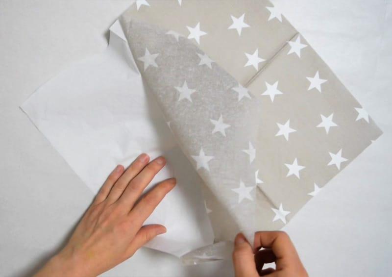 letter-decoupage-paso1-separate-napkin
