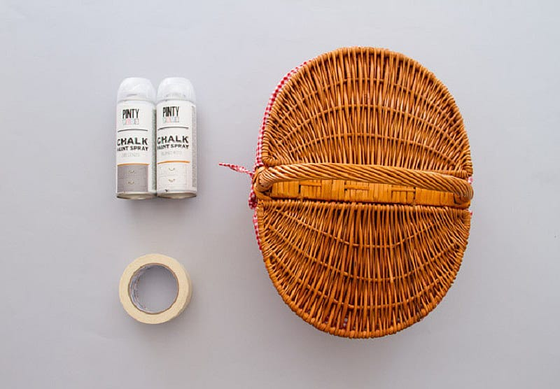 Chalk spray paint on wicker basket Pintyplus