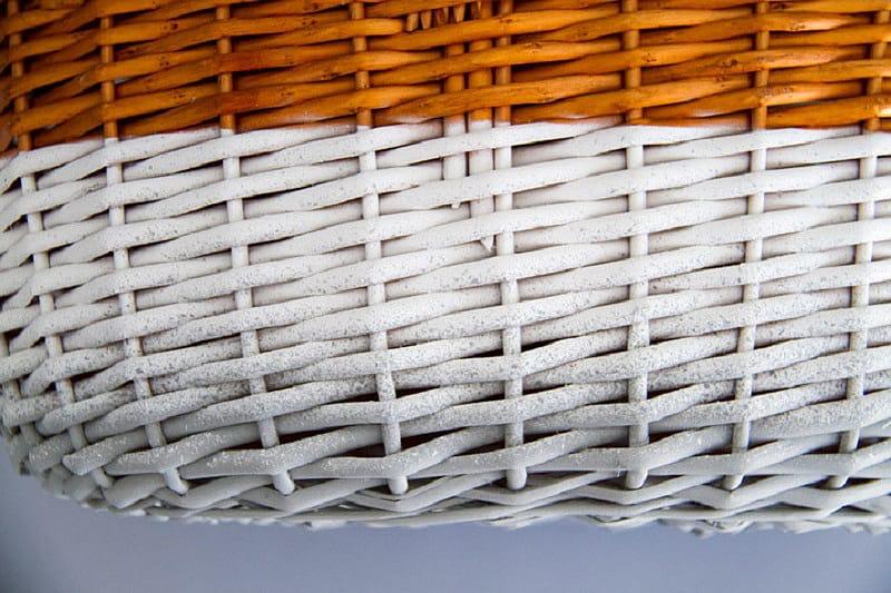 Efecto degradado sobre cesta de mimbre con pintura en spray