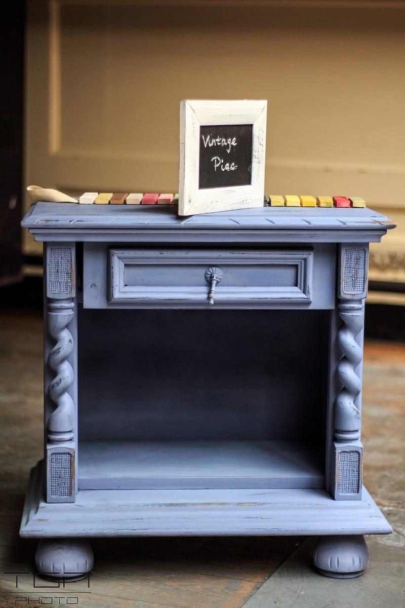 mesita-noche-azul-indigo-pintyplus-chalk-paint-spray