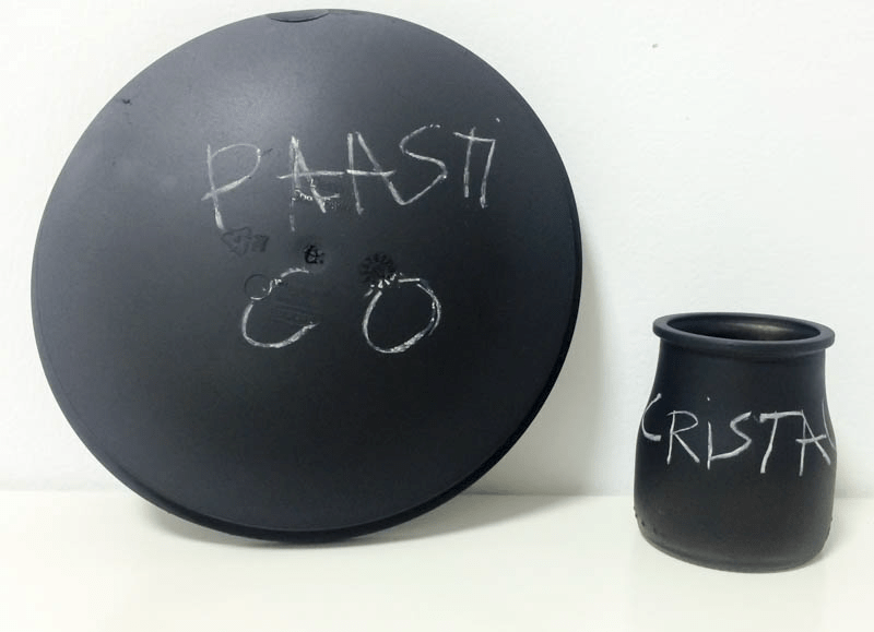 pizarra-pintyplus-sobre-plastico-y-cristal