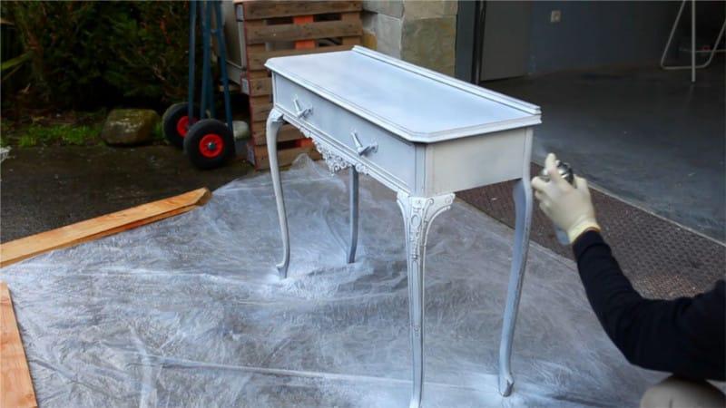 restaurar un viejo mueble con carcoma