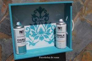 caja de vino con chalk paint en spray