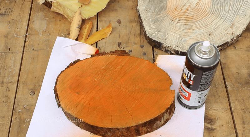 tronco-pintura-en-spray-naranja