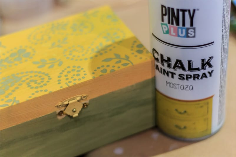 caja-de-madera-con-chalk-paint-spray-pintyplus