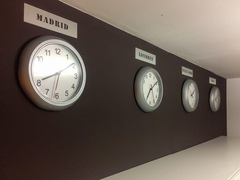 reloj-pared-con-inox-pintyplus