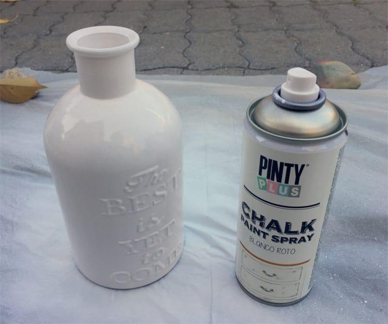 Pintar una botella de vidrio con spray shakingcolors - Barniz para chalk paint ...