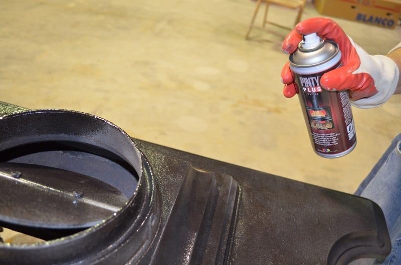 restore a fireplace with spray paint anticalórica Pintyplus Tech