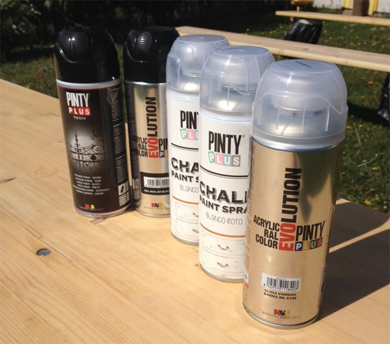 materiales para pintar muebles de exterior