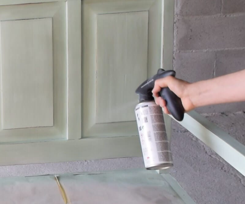 aplicar cera en spray sobre chalk paint