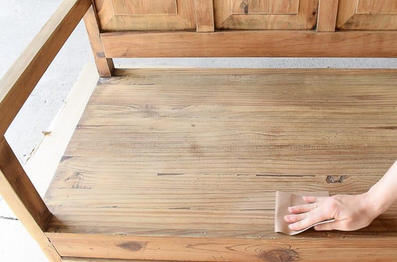 La soluci n para pintar un mueble de madera rica en for Pintar un mueble de blanco sin lijar