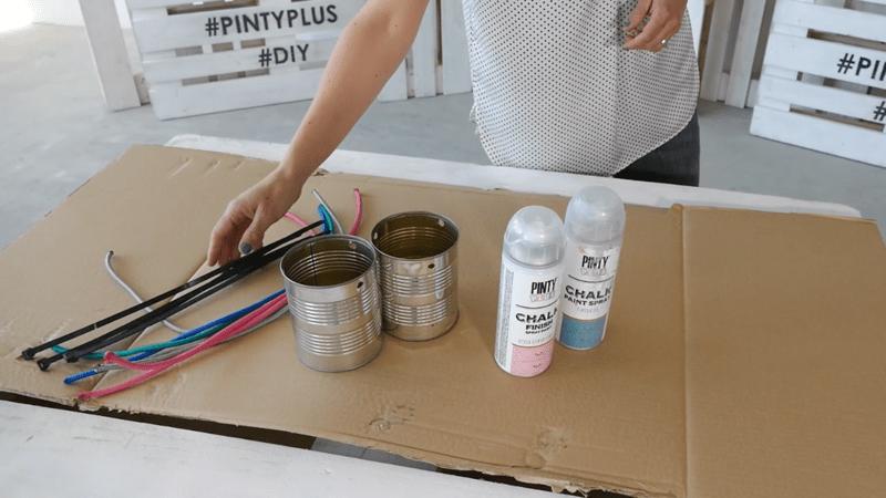 materiales para hacer un jardín colgante con latas