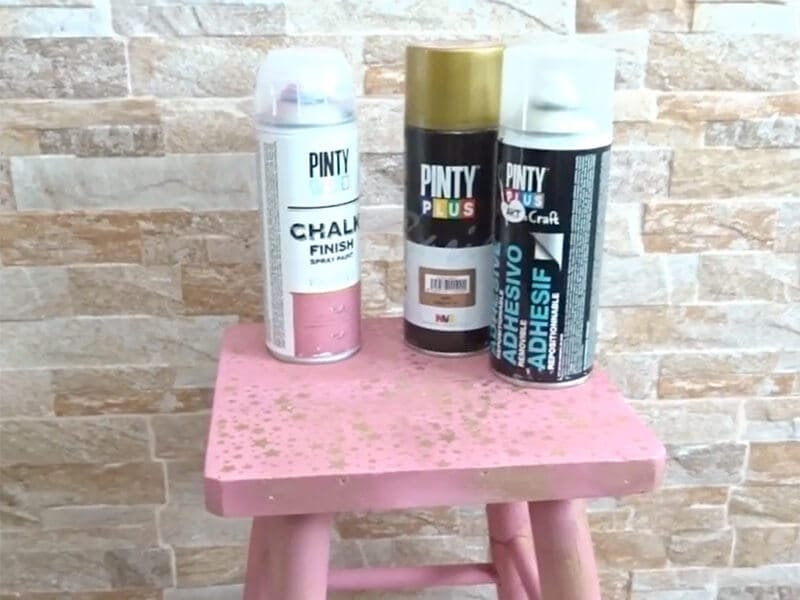 materiales para pintar con plantillas y pintura en spray