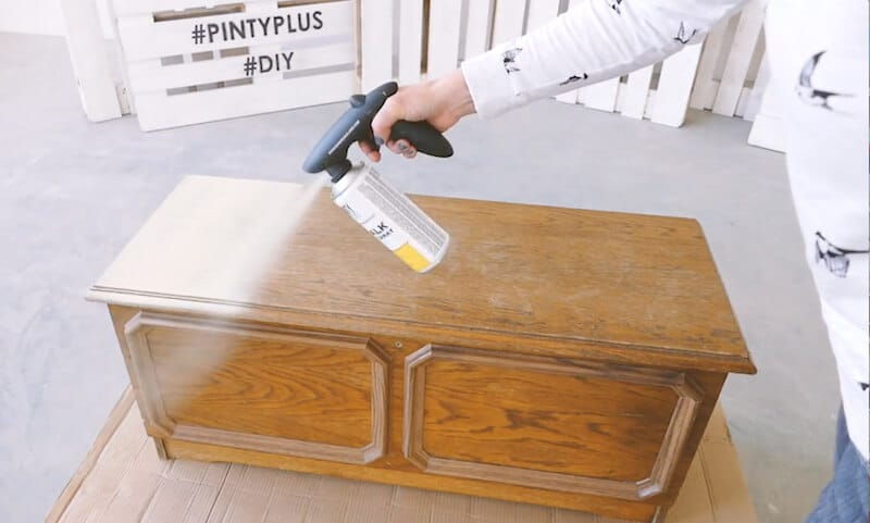 pintar con chalk paint en spray