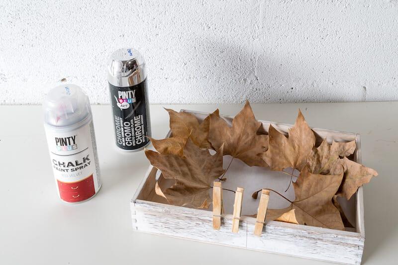 materiales para hacer un centro navideño con materiales reciclados