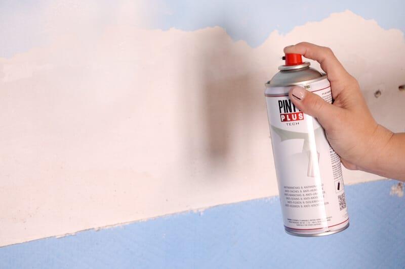 C mo quitar las manchas de humedad y reparar la pintura que ha saltado - Como quitar las manchas de humedad de las paredes ...