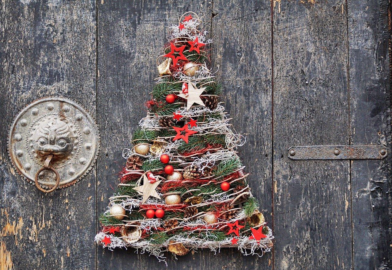 elementos de Decoracion navideña hechos a mano con Pintyplus y Shaking Colors