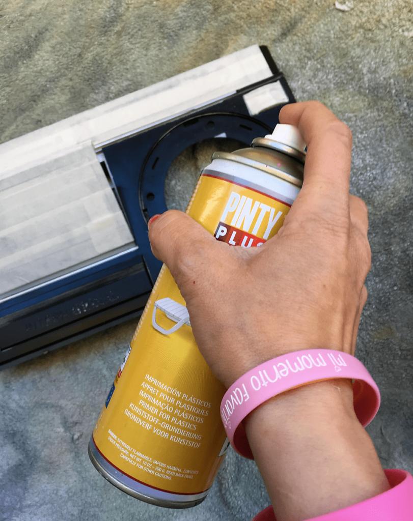 Imprimar las piezas que se pintaran en rosa con Pintyplus TECH