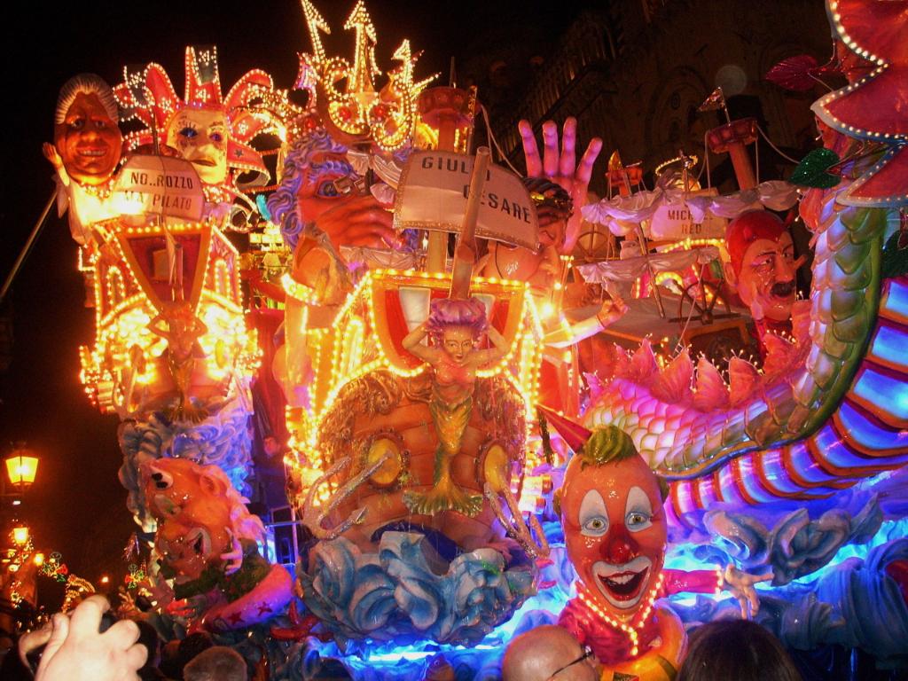 Decoracion de objetos y carrozas con pintura en spray para carnaval